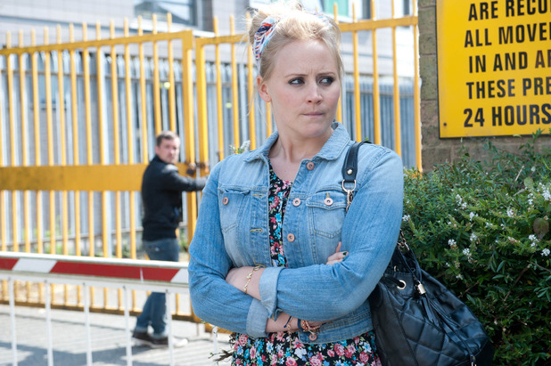 Emmerdale, Tracy helps Robbie, Fri 5 Sep