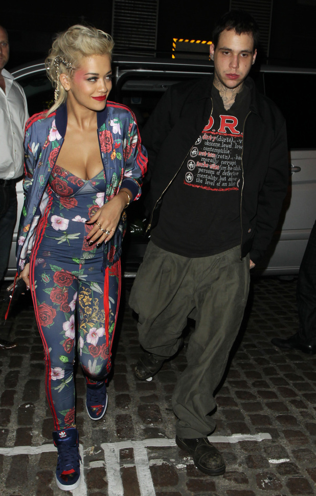 Rita Ora and Ricky Hill leave Chiltern Firehouse hand in hand before stopping for a kebab on the way home from Notting Hill kebab shop 09/04/2014 London, United Kingdom