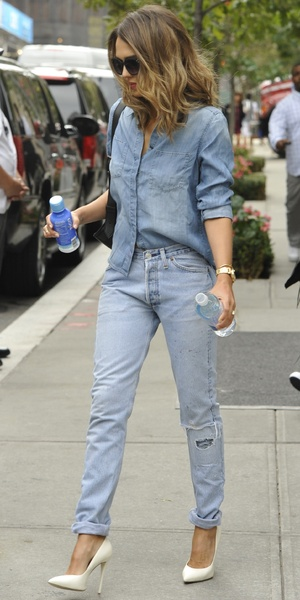 Jessica Alba leaving her hotel in Manhattan, New York 9 September