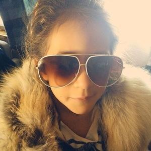 Jennifer Lopez's daughter Emme dresses up as her mum 23 September