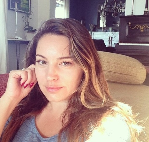 Kelly Brook shares no make-up selfie while living out in LA 25 September
