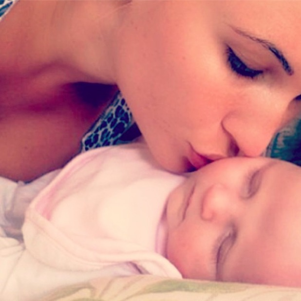 Billie Faiers shares adorable new snap of baby Nelly, 26 September 2014