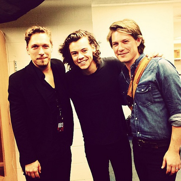 Taylor Hanson and Isaac Hanson and Harry Styles pose backstage at One Direction's Tulsa concert, 23 September 2014