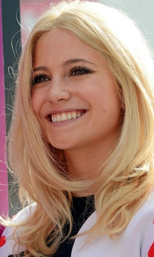 Pixie Lott performs on Kingston high street as part of Nectar Thank You campaign, Greater London 2 October