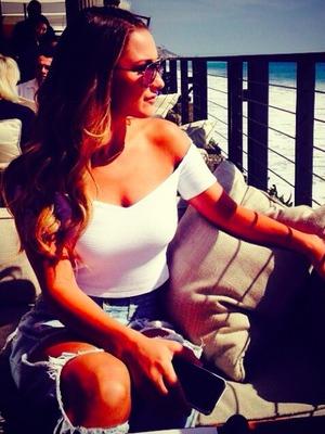 Sam Faiers enjoys a slice of life in Malibu, 11 October 2014