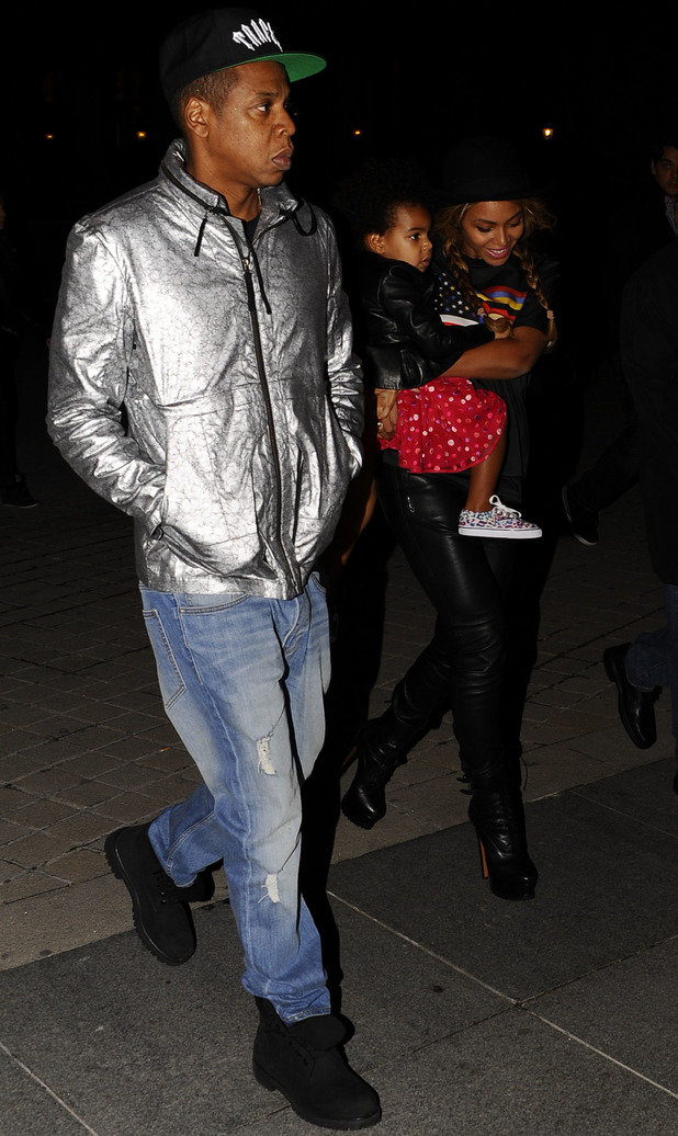 Jay Z and Beyonce with Blue leave the Louvre Museum in Paris - 7 October 2014