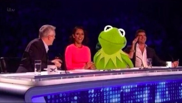 Cheryl Fernandez-Versini wears 'Kermit dress' on The X Factor, 18 October 2014