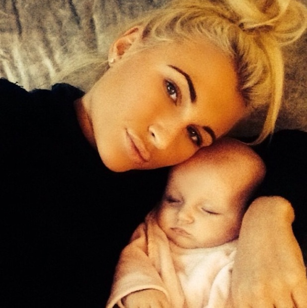 TOWIE's Billie Faiers cuddles up to baby daughter Nelly - 13 October 2014.