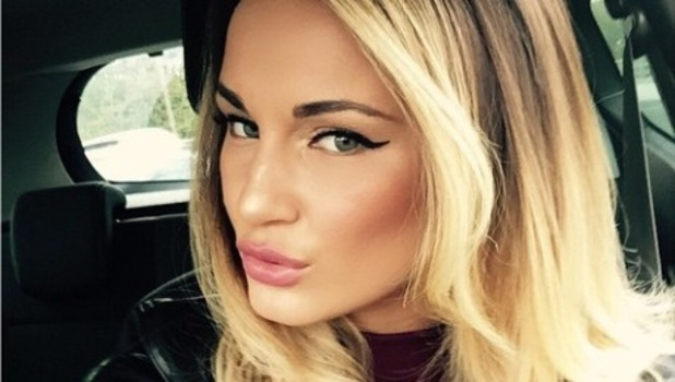 Sam Faiers shows off a new picture of her shorter, blonde hair, 24 Oct