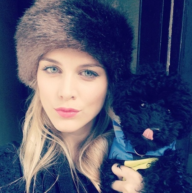 Ashley James takes an Instagram picture with her puppy Snoop Dog - 16 October 2014