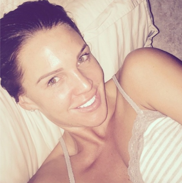 Danielle Lloyd shows off glowing skin in no make-up selfie, 20 October 2014