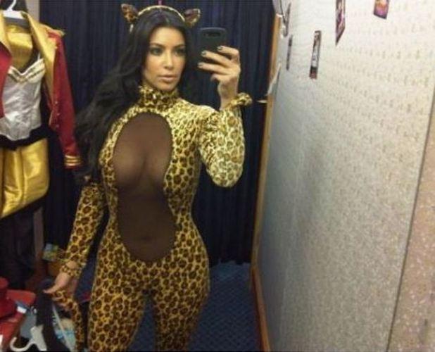 Kim Kardashian posts Halloween costume from 2010 31/10/2014