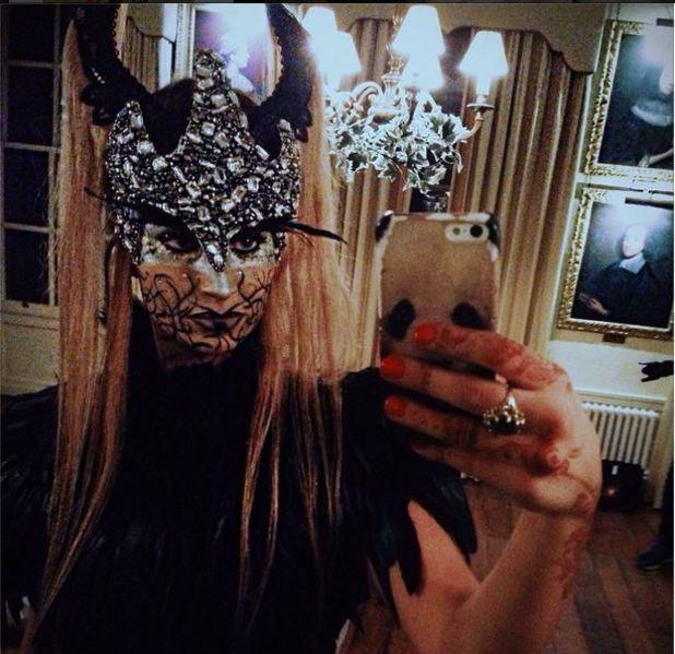 Ferne Mccann uploads Halloween instagram snap 31.10.2014