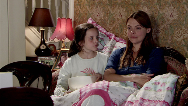 Corrie, Tracy duvet day with Amy, Wed 5 Nov