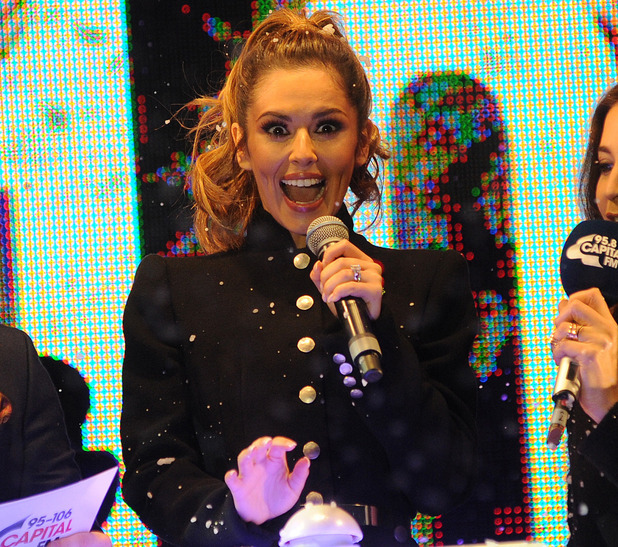Cheryl Fernandez Versini switches on Xmas lights on Oxford Street - 6 Nov 2014