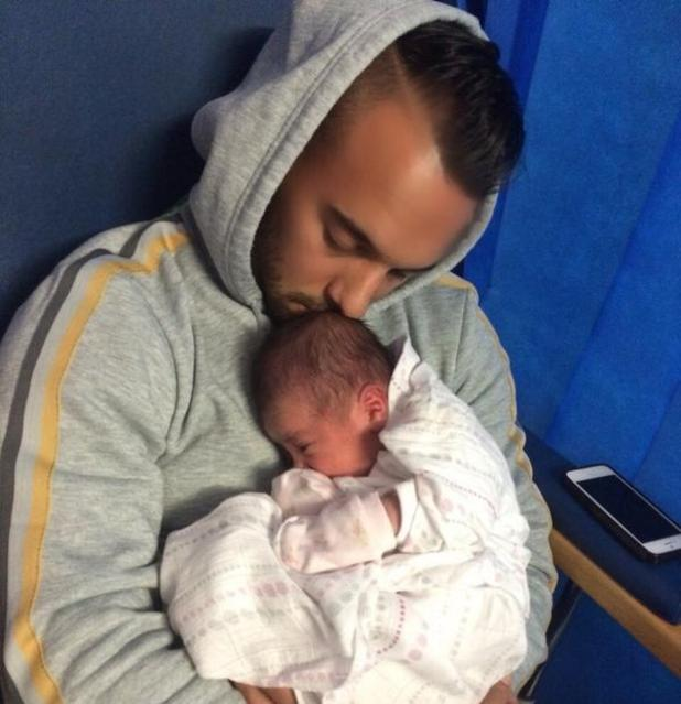 Big Reunion and 5th Story's Kenzie welcomes daughter Wyllow-Alliah with girlfriend Frankie - 4 November 2014