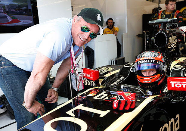 United States Formula One 1 Grand Prix, Austin, Texas, United States of America - 02 Nov 2014. Romain Grosjean, Lotus F1, with Actor Matt LeBlanc.