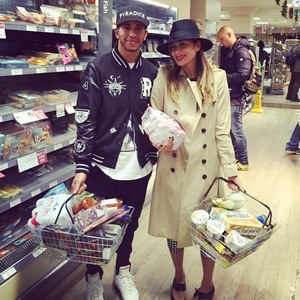 Lewis Hamilton helps Nicole Scherzinger move in 10 November