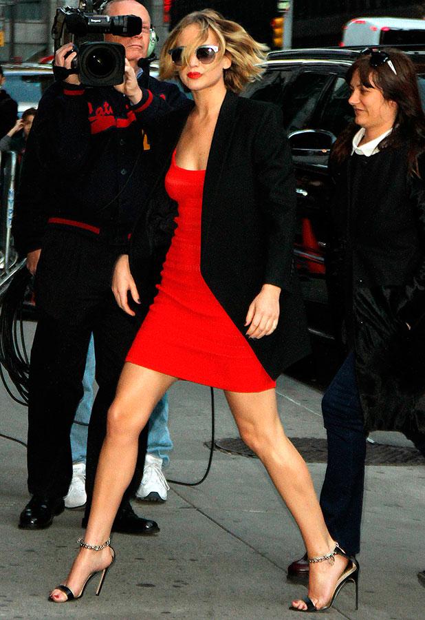 Jennifer Lawrence arrives at the Ed Sullivan Theatre, 12 November 2014
