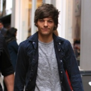 Louis Tomlinson out in London 10 November