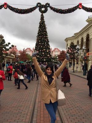 TOWIE's Jasmin Walia at Disneyland Paris - 17 November.
