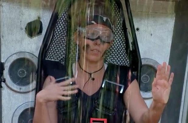 Kendra Wilkinson takes on the Cockroach Shaker Bush Tucker Trial - 21 November 2014