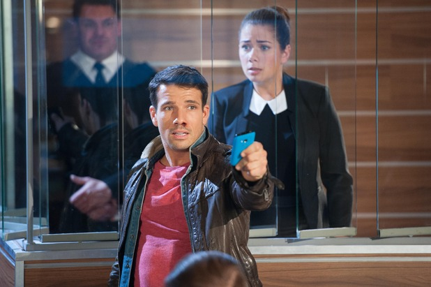 Hollyoaks, Dodger bursts into Maxine's trial, Wed 3 Dec