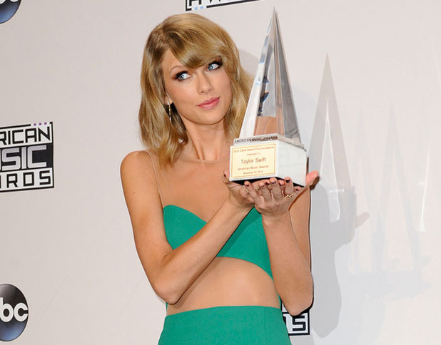 Taylor Swift at 2014 American Music Awards at Nokia Theatre L.A. Live on November 23, 2014 in Los Angeles, California.