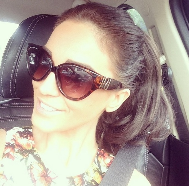 Vicky Pattison takes selfie on way to airport, New Zealand 22 November