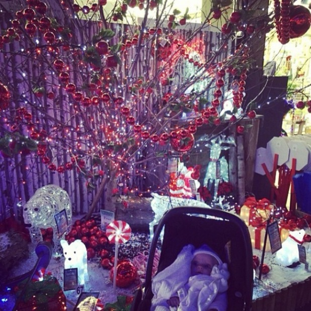TOWIE's Billie and Sam Faiers take Nelly shopping for Christmas decorations - 25 Nov 2014