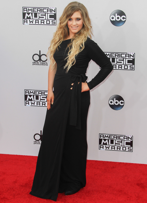 Ella Henderson on red carpet at American Music Awards, LA 23 November