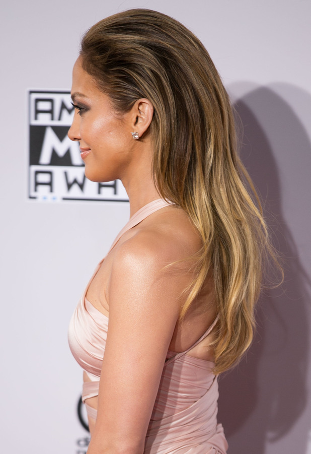Jennifer Lopez rocks a swept-back, bouncy blow-dry at the 2014 American Music Awards in Los Angeles, America - 23 November 2014