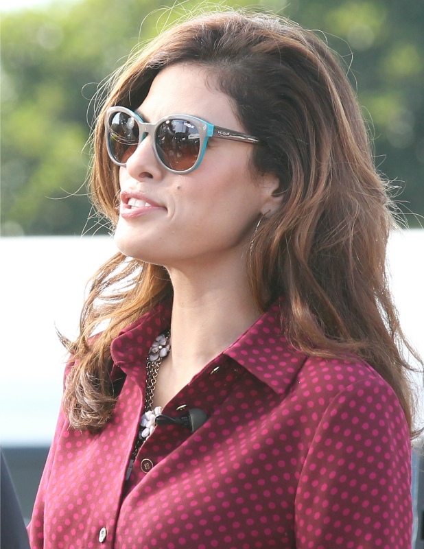 Eva Mendes at EXTRA with Mario Lopez at Universal City Walk, 2013