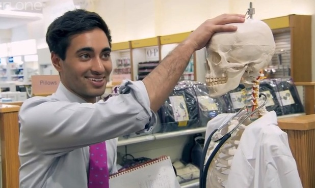 The Apprentice's Bianca and Solomon haggle over a skeleton - 3 December 2014