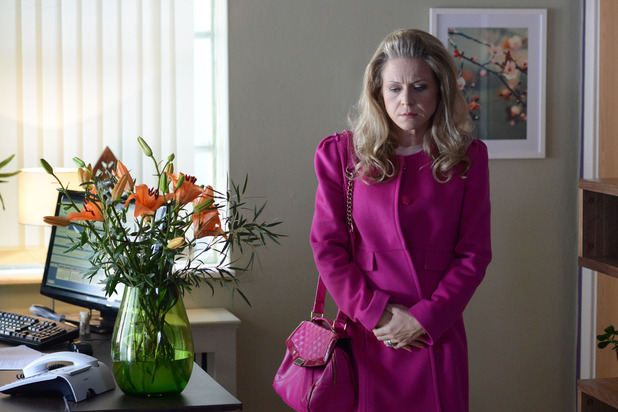 EastEnders, Linda goes to the clinic, Thu 11 DEc