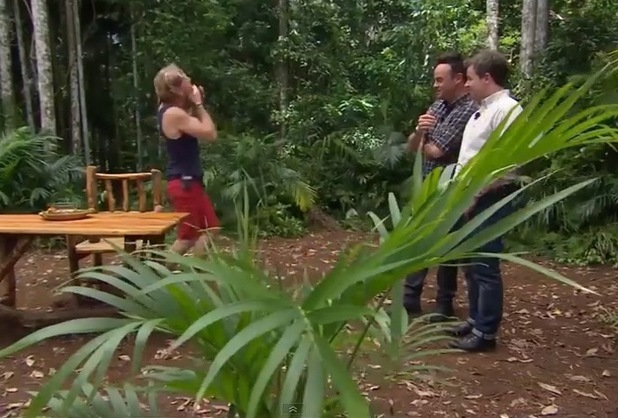 Carl Foggy Fogerty does the Fill Your Face Bushtucker Trial - 7 Dec 2014
