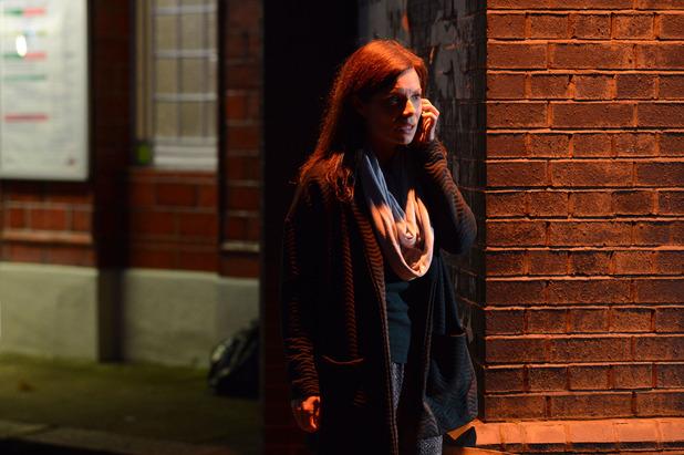 EastEnders, Emma makes a call, Tue 30 Dec
