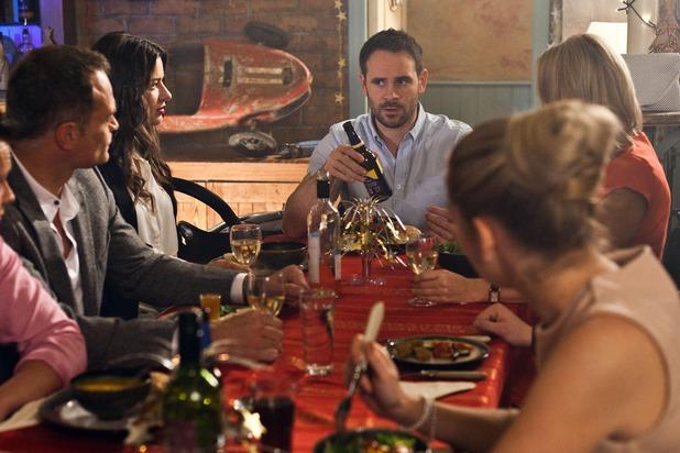 Hollyoaks, Roscoe family dinner, Wed 31 Dec