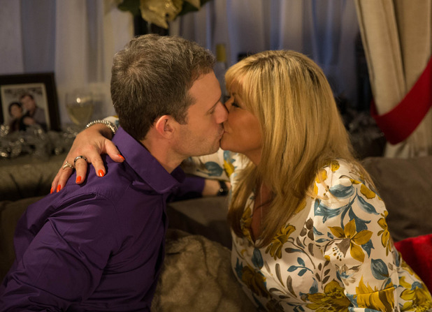 Corrie, Erica kisses Nick, Wed 17 Dec