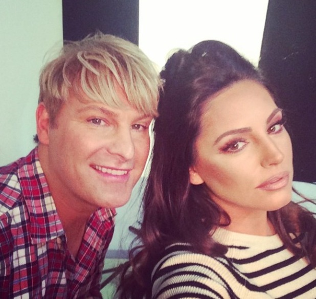 Kelly Brook channels a bit of Kim Kardashian make-up contouring on shoot with make-up artist Gary Cockerill, 16 December 2014