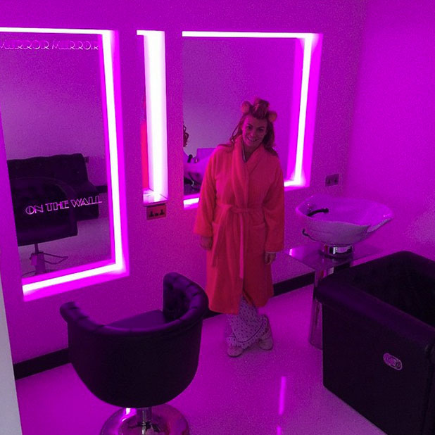 Billi Mucklow poses in salon that Andy Carroll built her in new home, 25 December 2014