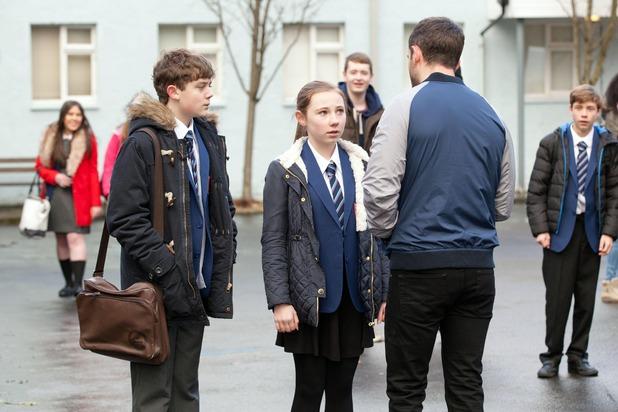 Hollyoaks, Cameron humiliates Peri, Tue 6 Jan