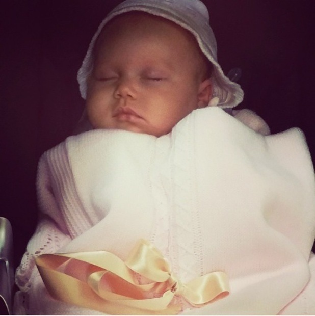 Rebecca Ferguson shares new photo of baby daughter Arabella (5 January).
