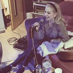Pixie Lott shares photo from music studio 8 January