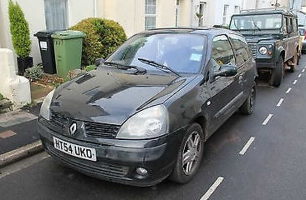 Picture of old Clio that Nigel Stewart-Stone is selling on eBay
