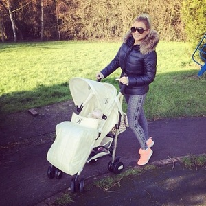 Billie Faiers walking with daughter Nelly 20 January