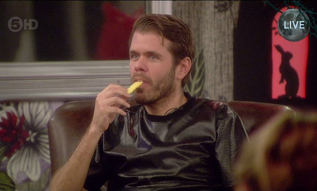 Perez Hilton puts cheese up his nose on live CBB - 21 Jan 2015