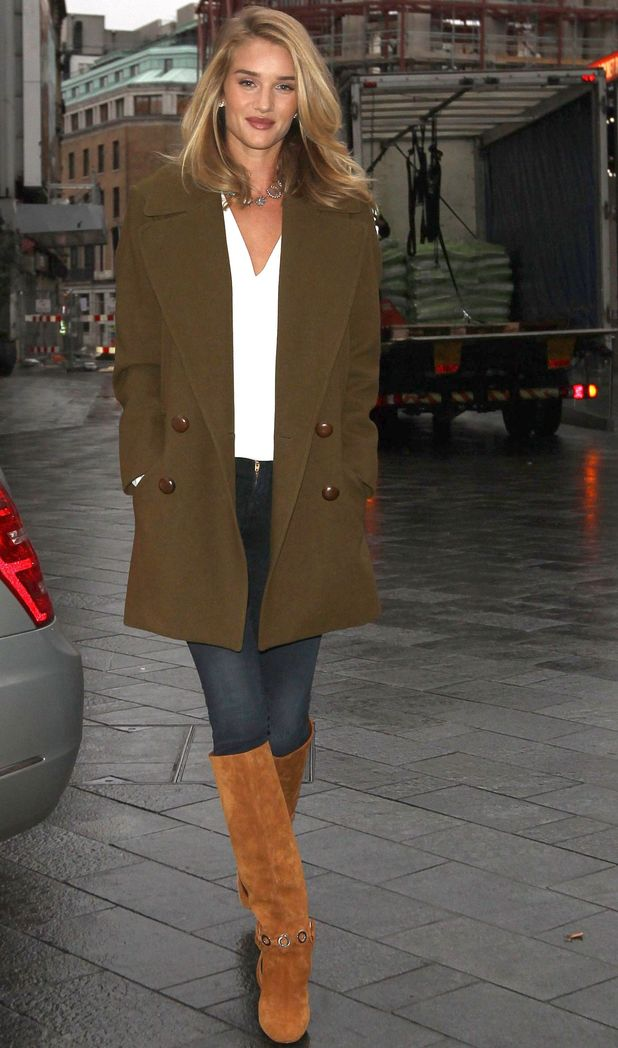 Rosie Huntington-Whiteley outside Capital Studios, 28/1/15