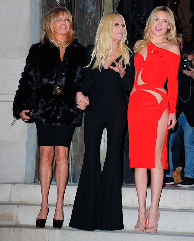 Kate Hudson and Goldie Hawn at Paris Fashion Week Haute Couture Spring/Summer 2015 - Versace - Outside Arrivals, 25 January 2015