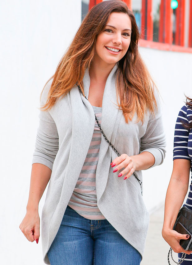 Kelly Brook shops for art supplies in West Hollywood, 29 January 2015